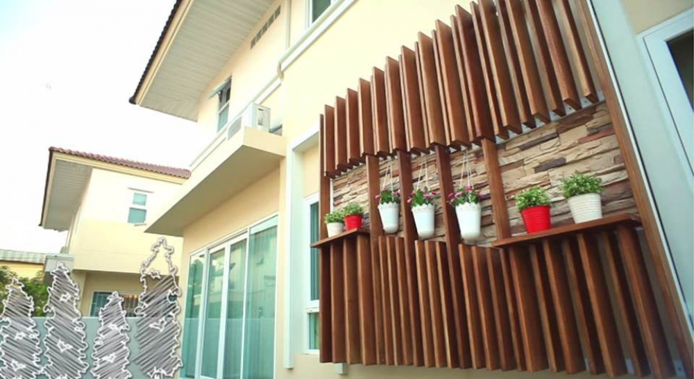 Artificial Wood shading installation